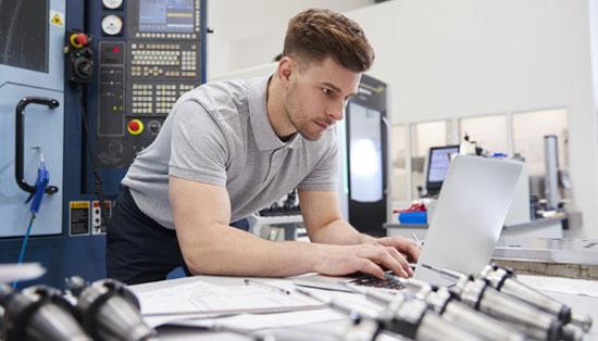 Mudar de software CAM na empresa: como gerir os seus técnicos?